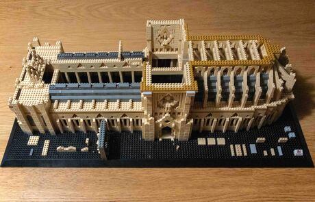 Notre Dame in aanbouw