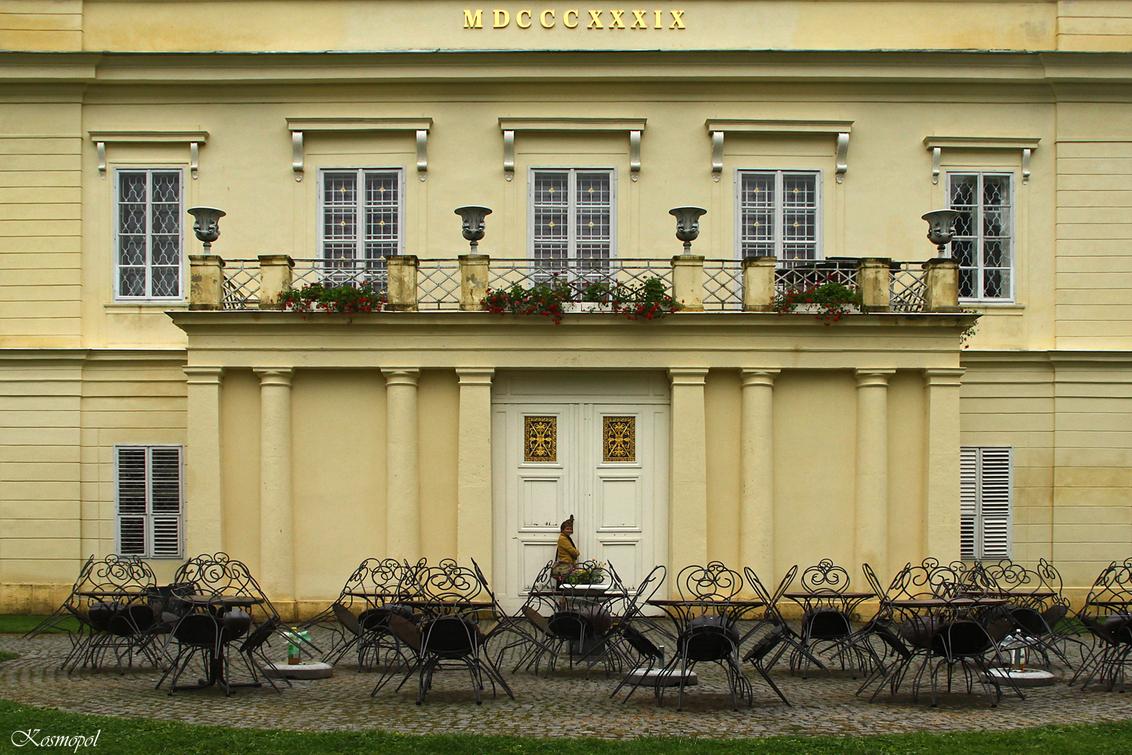 Gesloten op maandag - In het plaatsje Lazne Kynsvart, ook een kuuroord, wilden we het kasteel bezoeken. Schloss Königswart, de zomerresidentie van kanselier Metternich was - foto door kosmopol op 16-09-2011 - deze foto bevat: kasteel, tsjechie, kosmopol