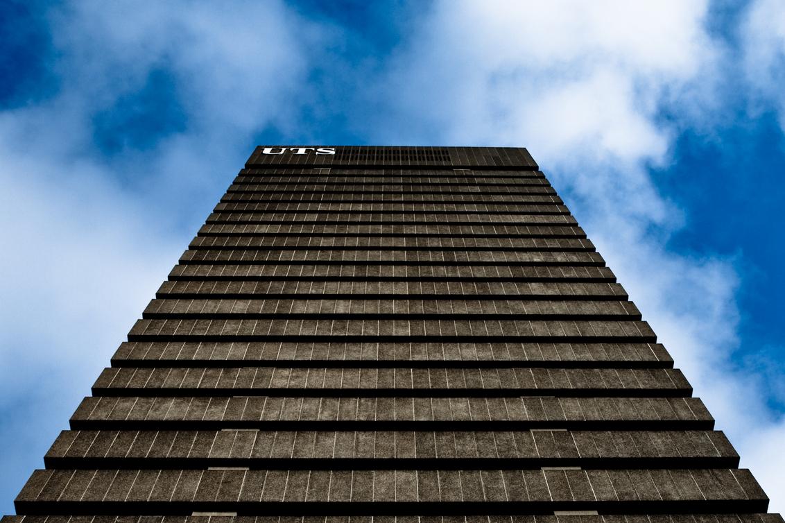 University of Technology Sydney - De Towerbuilding van de Technische Universiteit in Sydney. - foto door haikodejong op 17-10-2010 - deze foto bevat: toren, sydney, universiteit, UTS, towerbuilding, university of technology sydney.