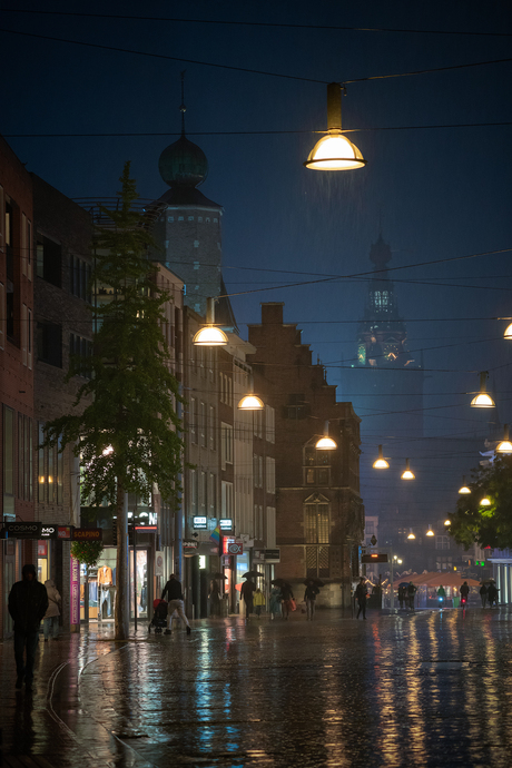 Nijmegen in de stromende regen