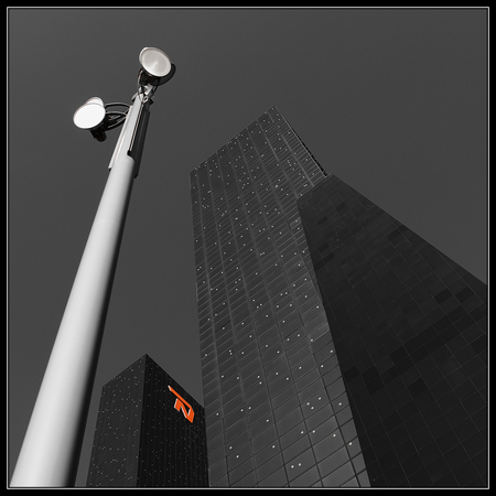 Nationale Nederlanden - Een beetje in de trend van de vorige up, maar nu in Rotterdam - foto door jep op 25-03-2011 - deze foto bevat: rotterdam