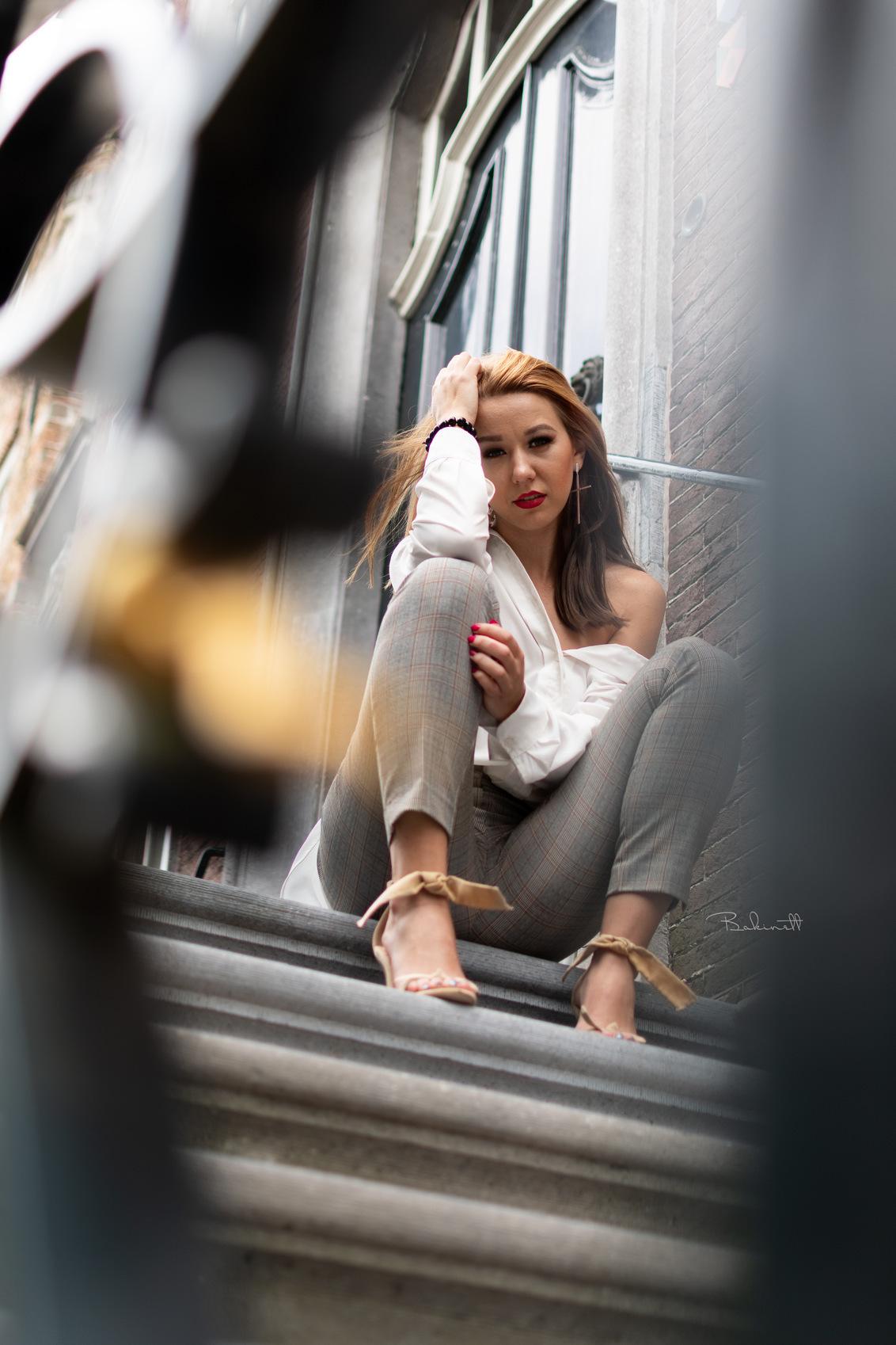 Maagby - - - foto door Bakinett op 20-09-2020 - deze foto bevat: man, vrouw, kleur, water, natuur, licht, portret, reclame, model, bos, tegenlicht, flits, stoer, haar, fashion, vintage, meisje, lief, lippen, beauty, schoenen, zwartwit, sfeer, pose, bruiloft, lingerie, glamour, studio, kapsel, belichting, expressie, jurk, jeans, mode, magazine, fotoshoot, retro, kleding, romantisch, urbex, visagie, locatie, workshop, makeup, bokeh, commercial, styling, editorial, strobist, urban exploring, fashionfotografie