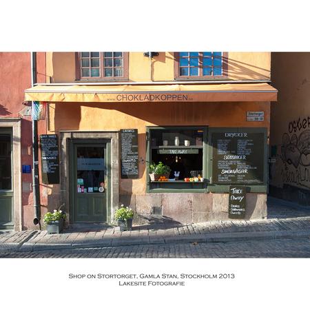 Gamla Stan, de oude stad, Stockholm 2013 - Winkeltje in de oude stad - foto door Lakesite op 01-01-2014 - deze foto bevat: kleur, water, herfst, reizen, stad, nikon, shop, zweden, stockholm, chocola, winkel, d700, 2013, D7100