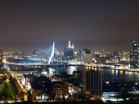 erasmusbrug in the night