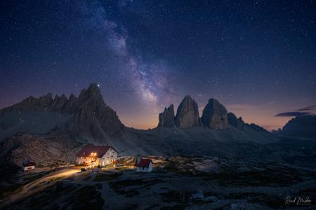 Drei Zinnen nightscape - - - foto door Ruud_Mulder op 08-10-2020 - deze foto bevat: avond, bergen, nacht, lange sluitertijd