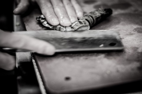 how to cut the Gamba