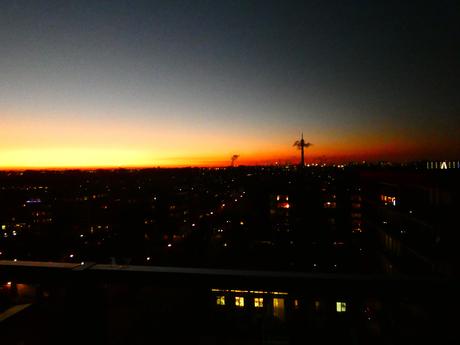 Sundown boven de Waalhaven