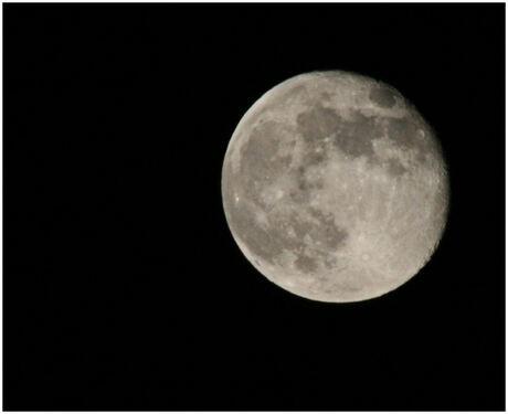 weer een maan