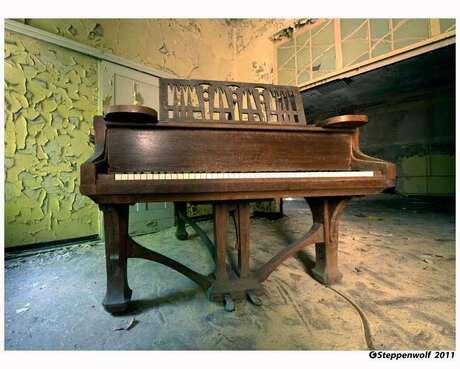 Piano Sanatorium IV
