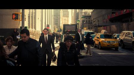 Business As Usual - [view full screen in a dark setting] - foto door CHRIZ op 22-03-2020 - deze foto bevat: man, mensen, straat, licht, stad, nyc, film, manhattan, straatfotografie, 35mm, New York, cinematic, cinematic street, cinestill
