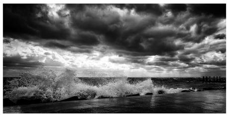 storm op de afsluitdijk