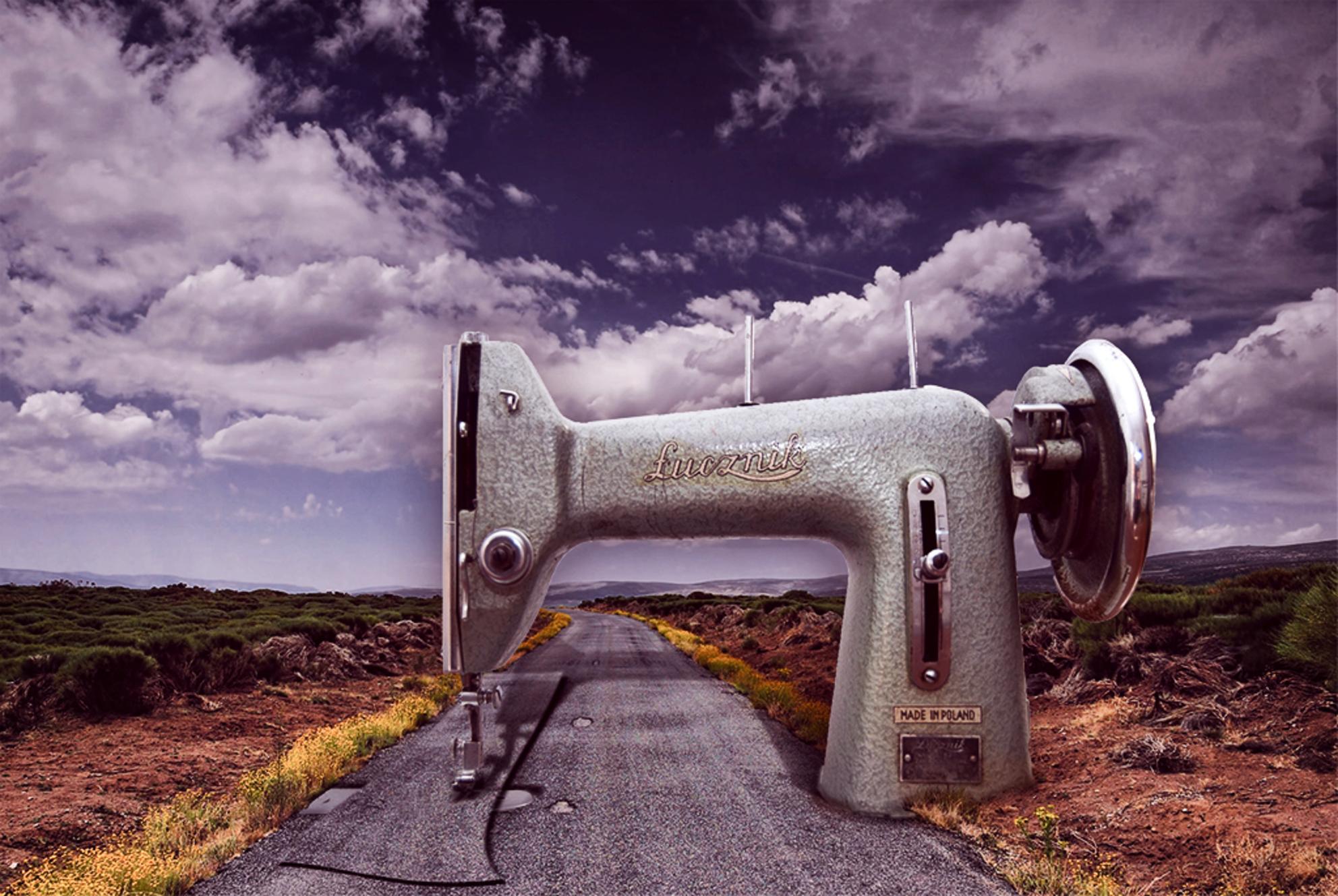 . . . Changes . . . - C4U on [url=https://www.facebook.com/pages/C4U/454353724628543?ref=hl]Facebook[/url] [url=http://chiandra4u.deviantart.com]DeviantART[/url] -stock - foto door ChIandra4U op 26-06-2015 - deze foto bevat: landschap, bewerking, nostalgie, verleden, surrealisme, photoshop, fotobewerking, droom, toekomst, creatief, manipulatie, aanpassing, surreal, fotomanipulatie, herstel, wijziging, chiandra4u, C4U - Deze foto mag gebruikt worden in een Zoom.nl publicatie
