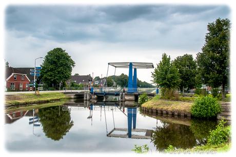 spiegeling in de Drentse Hoofdvaart