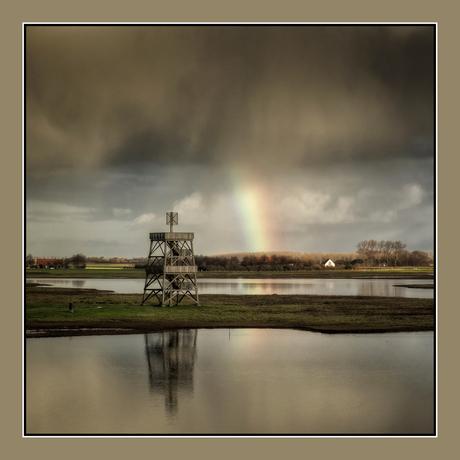 De uitzichttoren en de regenboog....