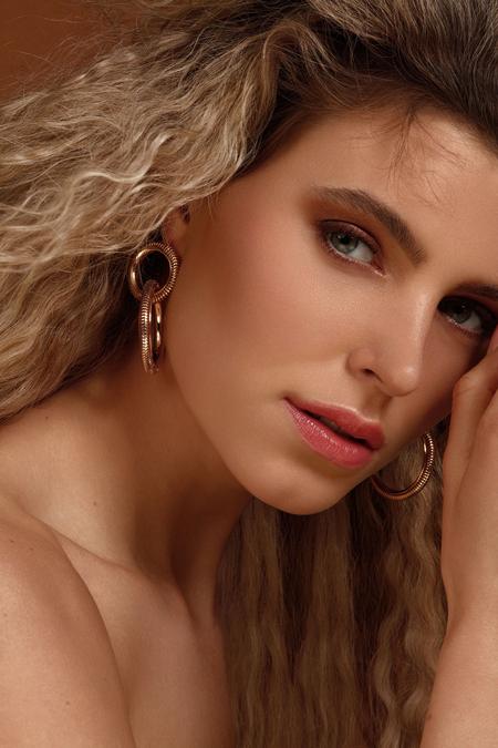 Beauty Ieke - Fotografie: Karin van Berkel Visagie: Greanne Carty Model: Ieke @ De Boekers - foto door karinvanberkell op 11-04-2021 - locatie: Breda, Nederland - deze foto bevat: voorhoofd, haar, neus, huid, gezamenlijk, hoofd, lip, kin, kapsel, wenkbrauw