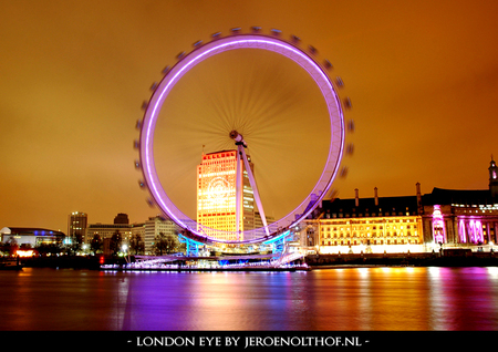 London Eye - Nachtfoto vanaf Victoria Embankment van de London Eye. - foto door Division_zoom op 07-01-2009 - deze foto bevat: jeroen, londen, london, reflection, yellow, ii, nikon, eye, light, urban, river, purple, city, orange, amazing, moon, color, engeland, s, nice, night, hall, england, d70, beautiful, thames, uk, d70s, tourist, vr, nikkor, nightshot, cloud, united, westminster, metropolitan, cityscape, attraction, kingdom, olthof, 5-6, jeroenolthof-nl, f3-5, londra, londres, 16-85