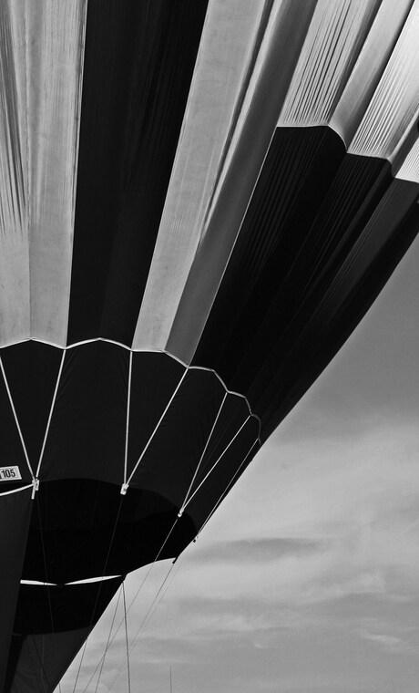 Black & White balloon