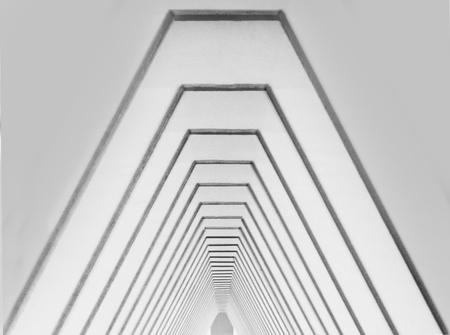 Het 'Gat van Zeeland' - Als je precies onder de brug staat, op de juiste hoogte, en je zoomt in, dan kijk je precies door alle pijlers heen in het niets. Omgezet naar zwart- - foto door derksmonique op 11-04-2021 - locatie: 4486 Colijnsplaat, Nederland - deze foto bevat: zeeland, zeelandbrug, gat van zeeland, architectuur, brug, bruggen, nederland, zwartwit, blackwhite, zwart&wit, black&white, zw, bw, z&w, b&w, driehoek, rechthoek, lettertype, materiële eigenschap, symmetrie, parallel, hout, patroon, monochroom, metaal