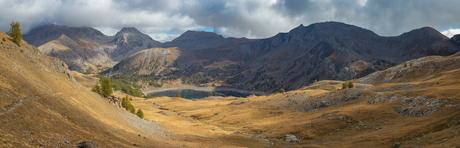 Uitzicht vanaf Col de l'Encombrette over Lac d'Allos