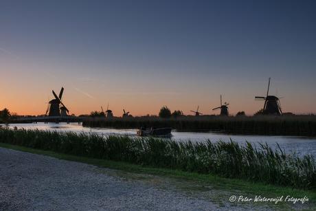 Zonsondergang bij de molens van Kinderdijk
