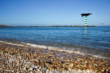 Maasvlakte 3 - Kijk hem ff in het groot.  Mijn motto: Morgen maak ik mijn mooiste foto!  En bedankt voor de reacties bij de vorige uploads. - foto door de-lasser2019 op 02-03-2021 - deze foto bevat: lucht, wolken, zon, strand, zee, dijk, natuur, landschap, duinen, zand, kust, kiezels, helikoperplateau