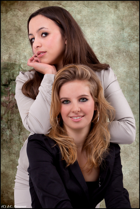 Cynthia en Farah