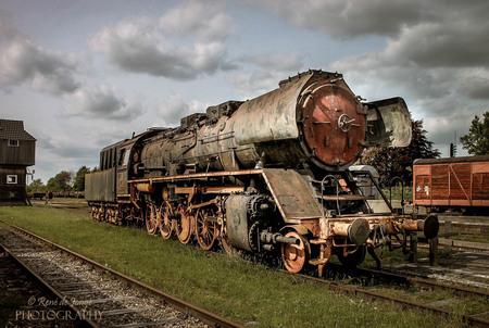 Star Stadskanaal - Een oude locomotief van spoorwegmuseum Star Stadskanaal. - foto door rbdejonge op 22-09-2018 - deze foto bevat: oud, trein, urban, voertuig, verlaten, transport, hdr, details, urbex, urban exploring