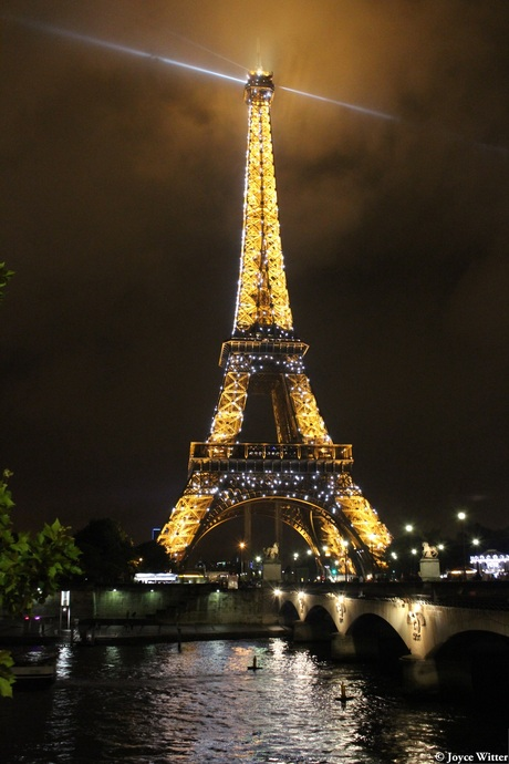 Tour de Eiffel by night