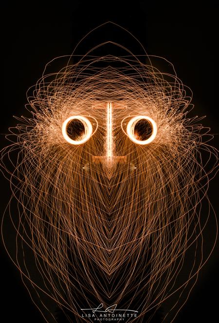 staalwol - gisteren op 15-12-2018 mijn eerste staalwol evenement geven voor 10 personen het was een leuke en koude geslaagde avond. en zeker voor herhaling vat - foto door LisaAnn91 op 16-12-2018 - deze foto bevat: mensen, donker, kleur, straat, geel, licht, vuur, avond, dieren, landschap, schaduw, tegenlicht, kunst, nacht, meisje, nederland, nachtfotografie, reflecties, beweging, straatfotografie, details, evenement, lightpainting, staalwol, steelwoolphotography