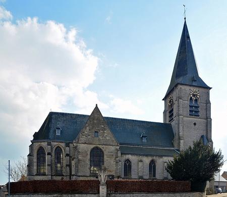 Bouwkundig erfgoed - 60 - [b]Parochiekerk Sint-Stephanus[/b] Gotische kerk van zandsteen uit de 16de-17de eeuw, gebouwd op een door een zandstenen kerkhofmuur afgebakende hel - foto door jpvdfotografie op 15-10-2014 - deze foto bevat: oud, lucht, licht, lijnen, architectuur, kerk, gebouw, belgie, gotiek, omheiningsmuren, parochiekerken, brussegem