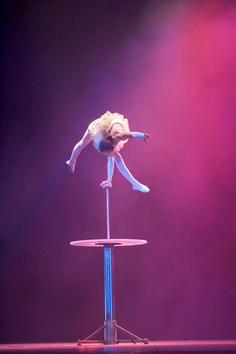 Chinese acrobaten - 3