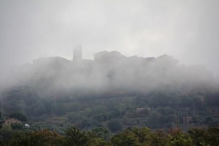 Citta della Pieve (Italy) - Ochtendmist trekt op. - foto door Derine op 27-10-2012