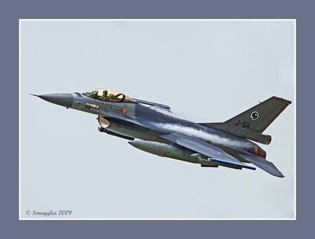 Flitsende F-16