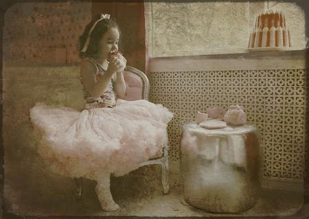 Cupcake - bewerking - foto door lotuss op 24-02-2011 - deze foto bevat: kind, bewerking, nostalgisch