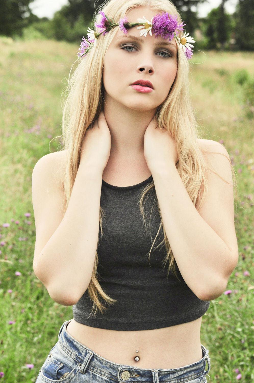 model : Pip - Model : Pip Visagie & Styling : Me Fotografie : Me - foto door valerysphotography op 30-06-2014 - deze foto bevat: vrouw, kleur, licht, portret, model, haar, fashion, meisje, lief, beauty, sfeer, pose, glamour, kapsel, belichting, jeans, mode, fotoshoot, kleding, romantisch, visagie, makeup, styling, fashionfotografie