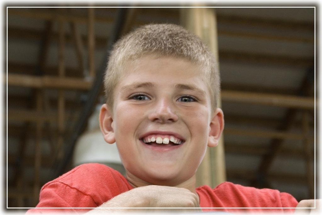 Markus - In september naar mijn familie in Iowa geweest en daar de nodige foto's gemaakt waarvan ik een stel op zoom zal plaatsen. Hoop op veel reaktie om me - foto door rietgb op 03-11-2009 - deze foto bevat: portret, jongen, familie, iowa