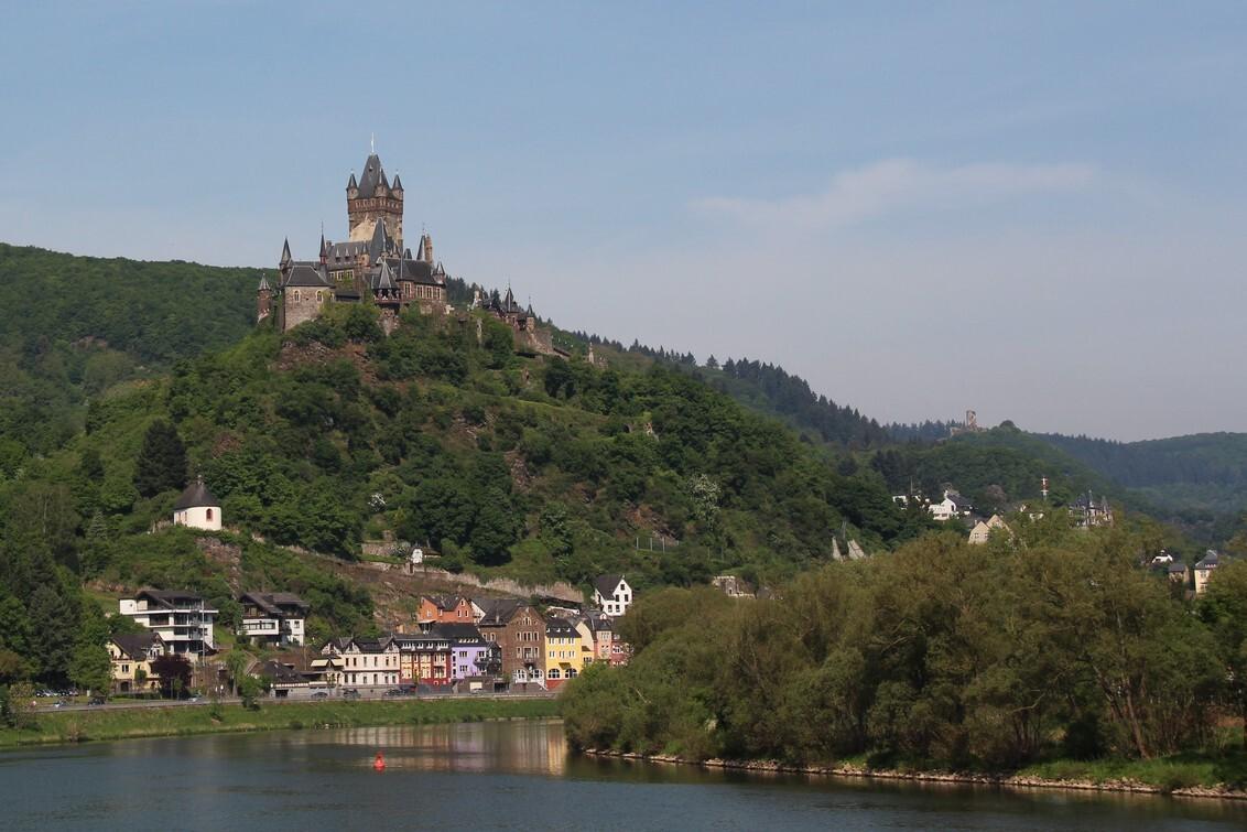 IMG_6366 (2).JPG - Reichsburg Cochem - foto door PeterNederpel op 22-05-2014 - deze foto bevat: kasteel