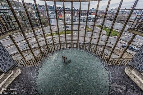 Verlaten zwembad in Charleroi
