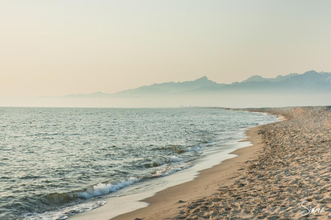 Toscaans strand - Deze plaat is gemaakt tijdens de zonsondergang op een Toscaans strand. - foto door frostwood op 22-08-2013 - deze foto bevat: Italie Toscane Strand