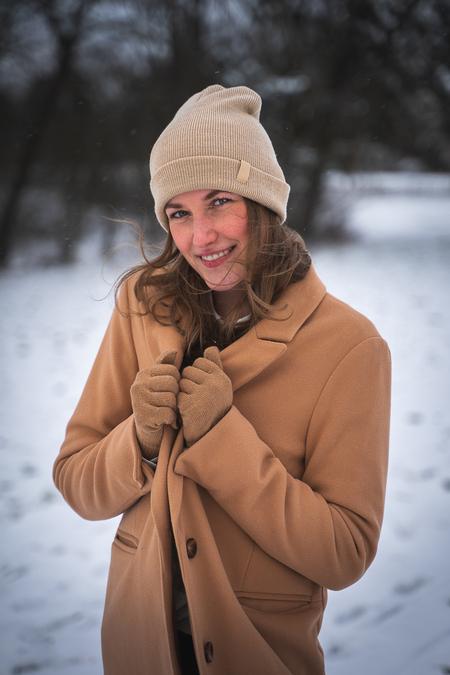 Winterprik - - - foto door larsmuldersphotography op 25-02-2021 - deze foto bevat: vrouw, licht, sneeuw, winter, portret, model, daglicht, ogen, beauty, glamour, mode, fotoshoot