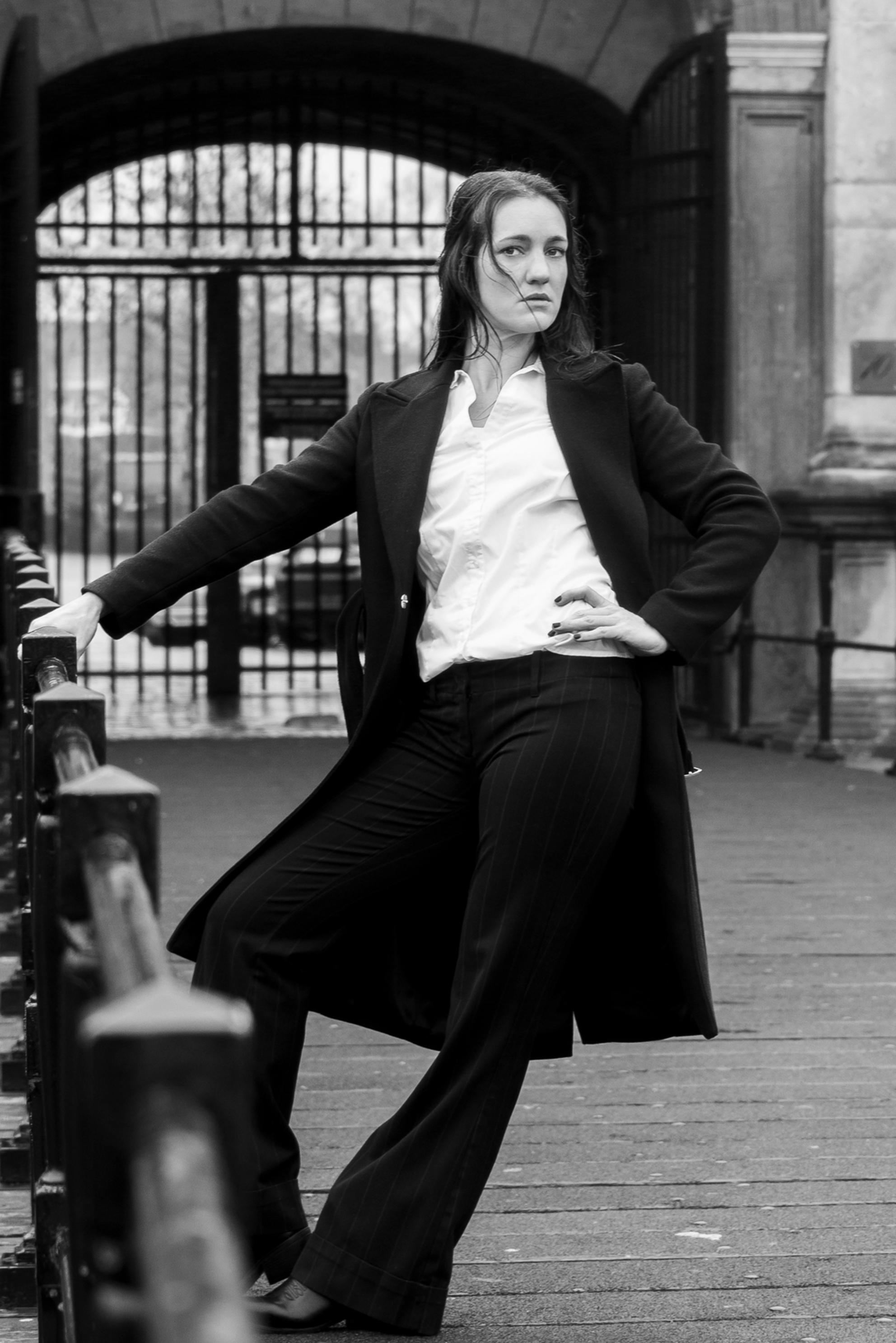 90's shoot 2 - - - foto door DaphneGodschalk op 31-01-2020 - deze foto bevat: vrouw, portret, reclame, model, fashion, beauty, zwartwit, sfeer, pose, mode, magazine, fotoshoot, kleding, locatie, commercial, editorial, fashionfotografie