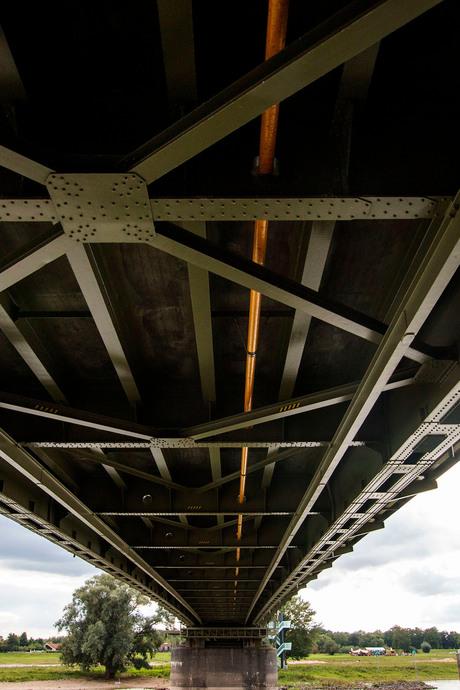 Onder de brug in Deventer