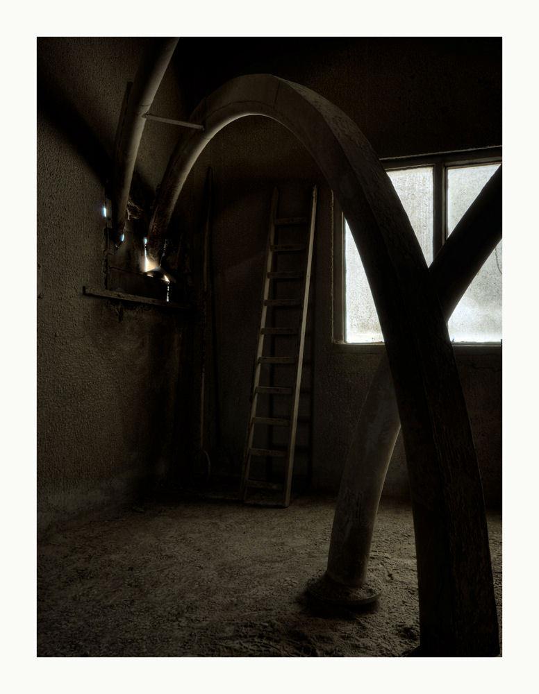 Inter Beton 2 - Opname gemaakt in een oude betoncentrale net voor deze gesloopt werd. - foto door peterrochat op 30-10-2010 - deze foto bevat: urbex