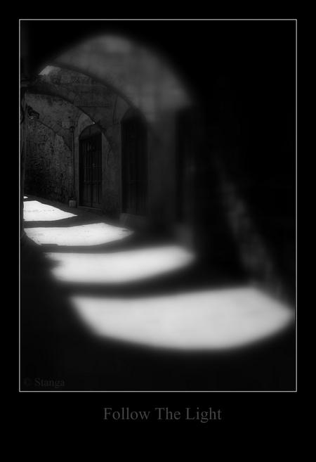 Follow The Light... - Old Town Rhodos   ThanX voor de reacties op mijn vorige upload b)   Stan - foto door stanga op 11-02-2010 - deze foto bevat: stanga