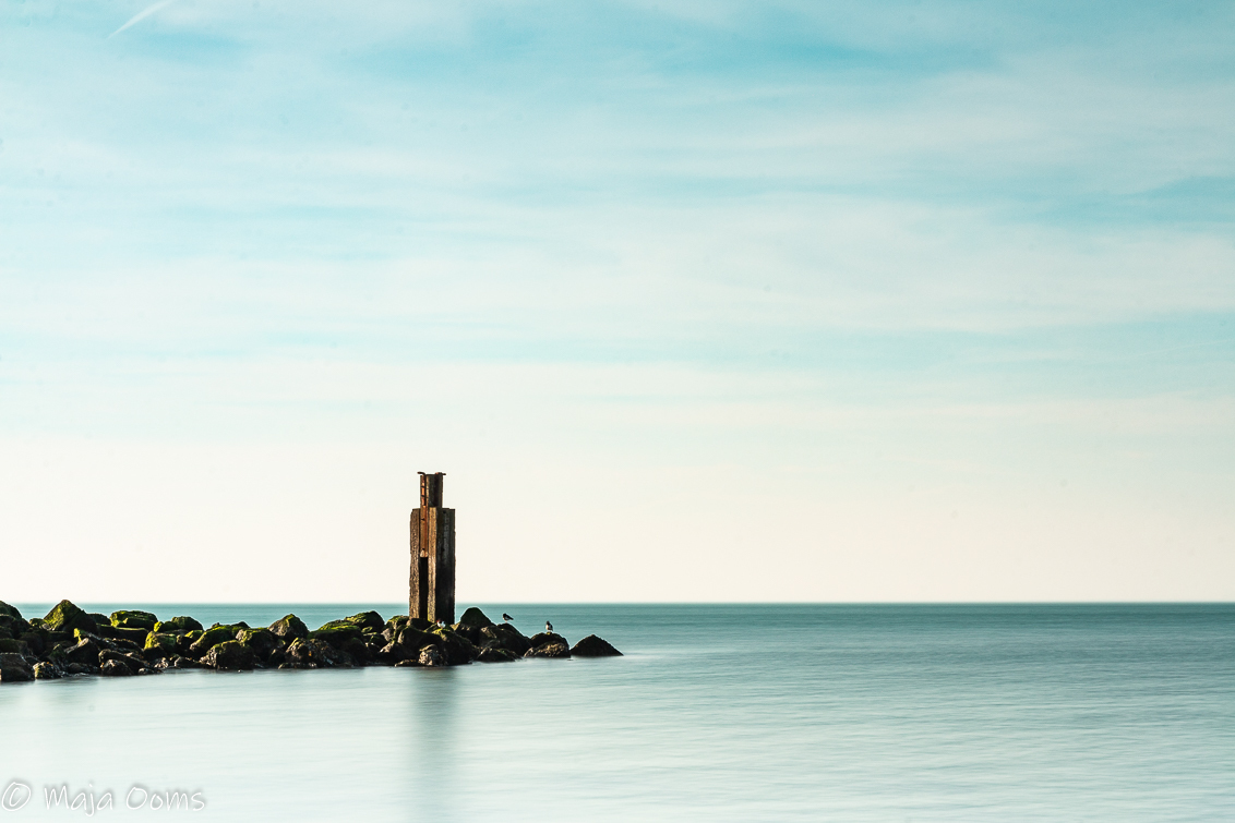 Still... - Langzaamaan kom ik ook weer uit mijn foto winterslaap. Kou en ik zijn niet zo'n goede combi, dus als de temperaturen weer wat beter worden kom ik pas - foto door mb83 op 22-02-2019 - deze foto bevat: zee, water, licht, kust, lange sluitertijd
