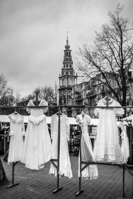 Vintage trouwjurken op de vlooienmarkt