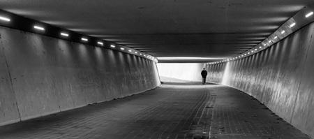 la solitude - - - foto door lianedeprost op 11-12-2020 - deze foto bevat: tunnel, eenzaamheid