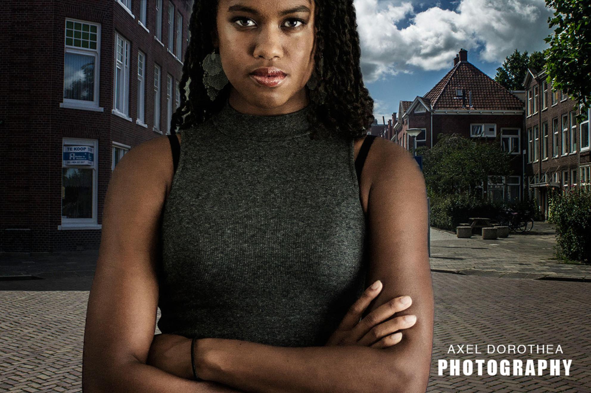 Into The City - - - foto door inteldiplo op 29-12-2015 - deze foto bevat: portret, bewerkt, bewerking, photoshop, creatief, manipulatie - Deze foto mag gebruikt worden in een Zoom.nl publicatie
