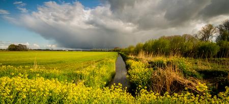 donkerewolken - donkere luchten PelsesteegUitwijk - foto door hennelies op 23-04-2016