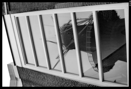 Molen in raam